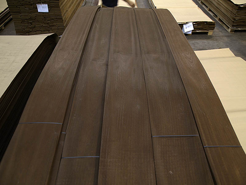 Crown Cut Fumé Sapele