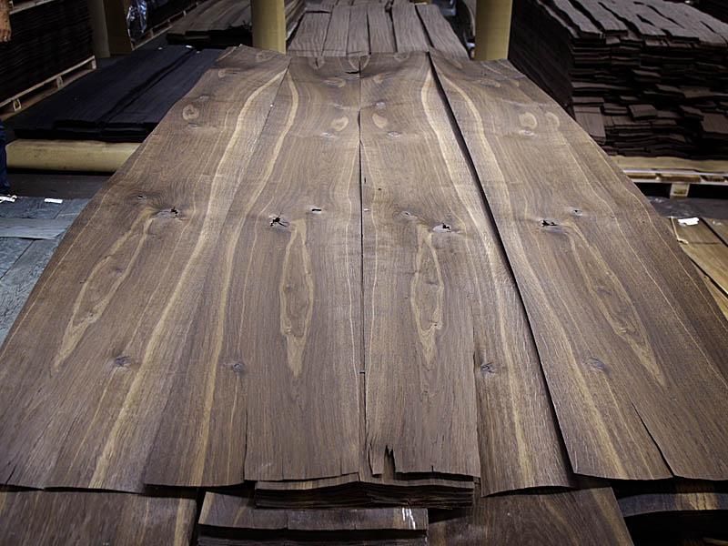 Crown Cut Rustic Fumé Oak