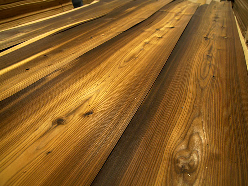 Quarter Cut Fumé Rustic Larch