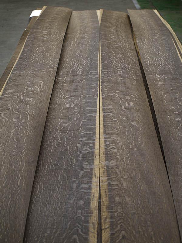 Rift Cut Fumé Red Oak